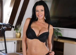 In Love With Veronica Avluv